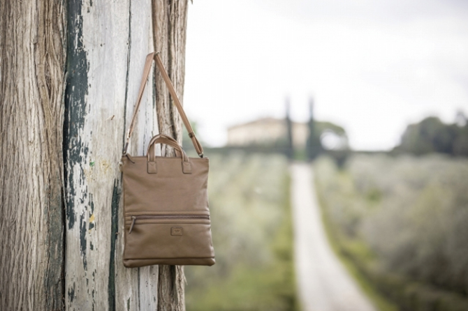73081_AROMA Slim Multi Shoulder Bag